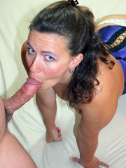 Nice Milf Lynn Zxposes Giving Head And..
