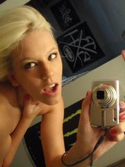 Cute blonde gf take pics of her sexy..
