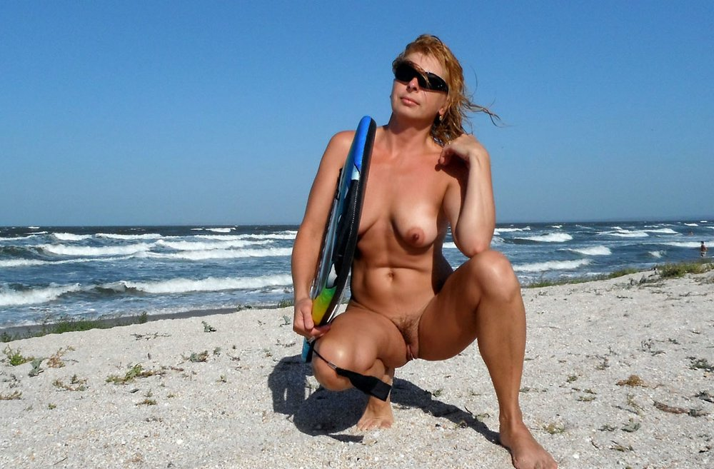 horny older russian woman can t resist a guy s ripped muscular b