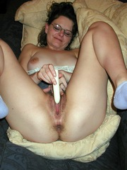 My wife masturbating with her sex toys..